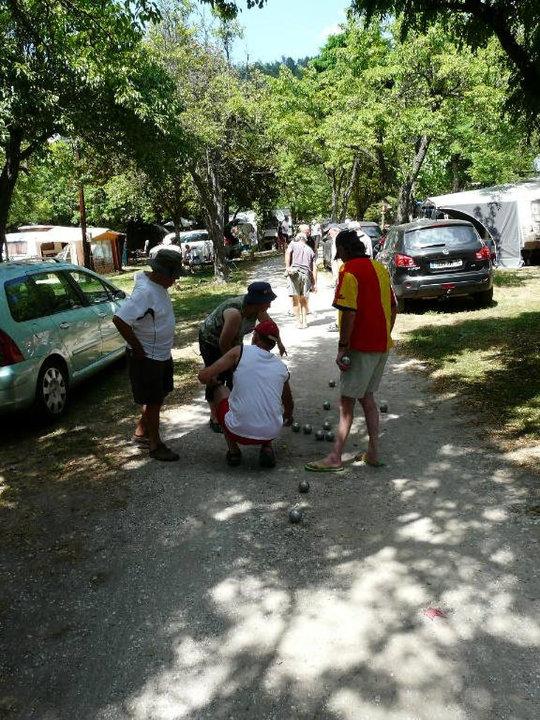 Pétanque en camping